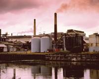 化工厂生产中间化学制品